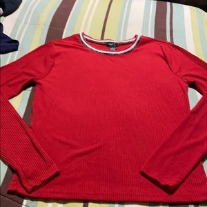 Juniors Pullover Long Sleeve Top. New Condition!